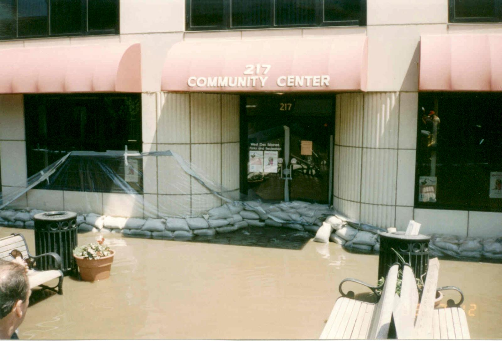 1993_Flood_CommunityCenter5thSt_001