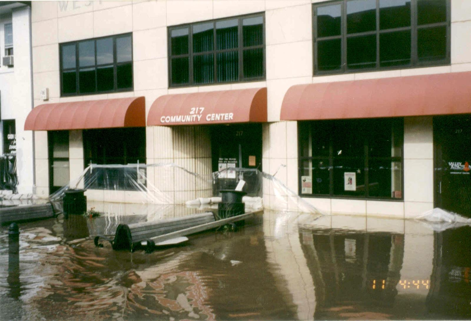 1993_Flood_CommunityHighWater01