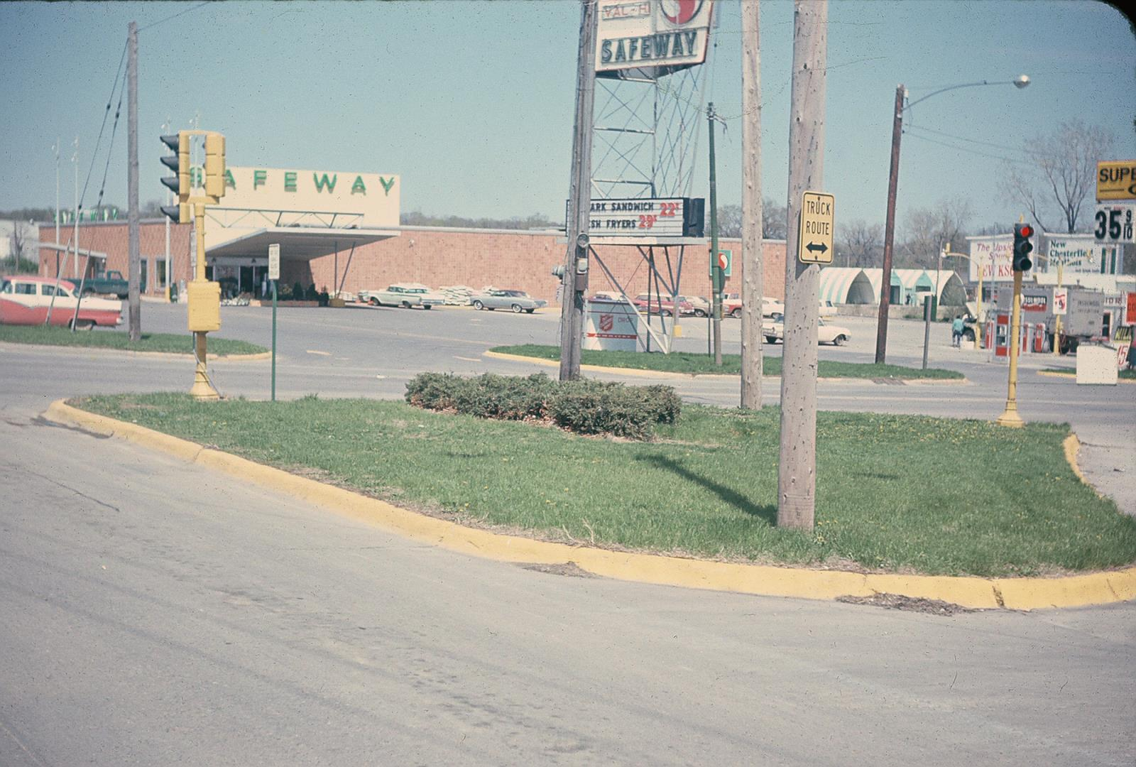 1967_Grand_04thSt_SafewayStore
