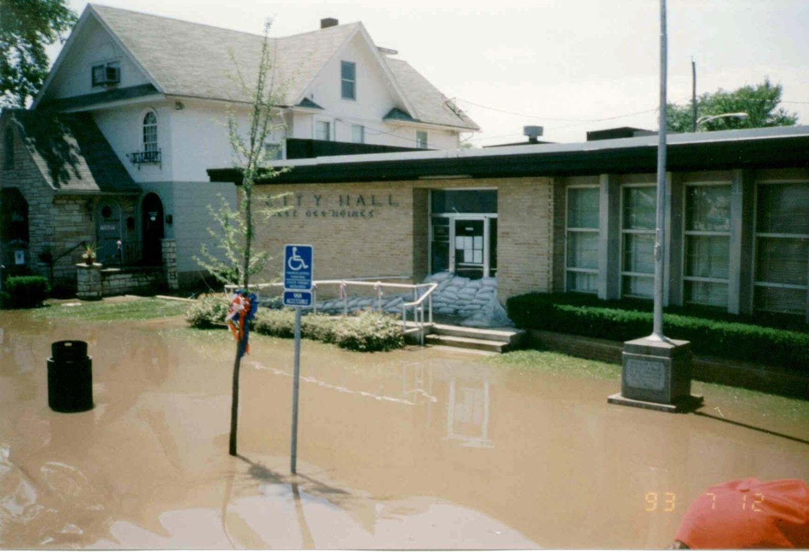 1993_Flood_City Hall